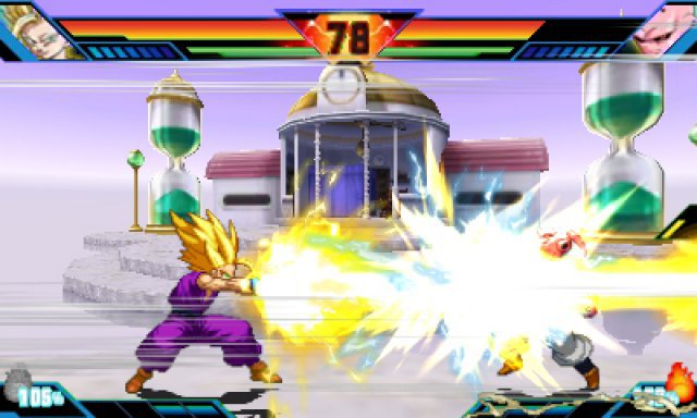 Endlich wieder Blitzlichtgewitter: Besonders starke Attacken werden liebevoller in Szene gesetzt als in Xenoverse.
