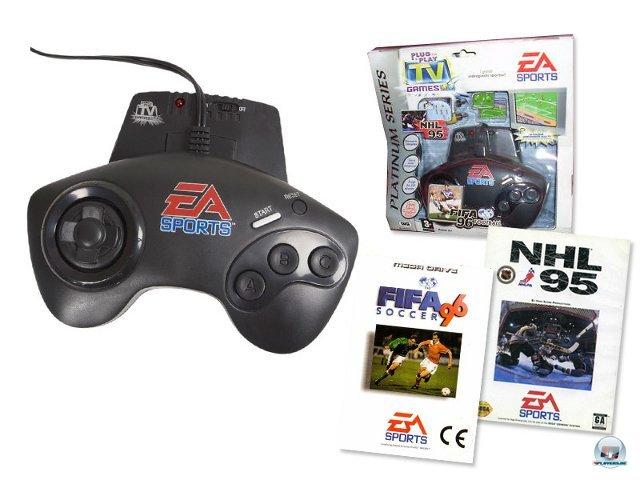 <b>EA Sports Plug & Play TV Games: FIFA 96 plus NHL 95</b><br><br> Auch EA Sports hat in seiner Geschichte bereits für ein äußerst seltsames Hardware-Kuriosum gesorgt. Dieser Controller lässt sich direkt an den Fernseher anschließen. Eingebaut sind NHL 95 und Fifa 96. Fragt uns nicht, wie Electronic Arts ausgerechnet auf diese Kombination kam; in den USA gibt es auch Variationen mit einem Madden-Ableger. 2379522
