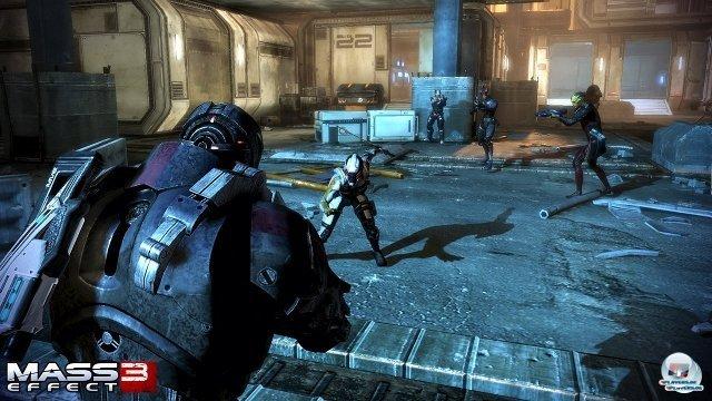 <b>Mass Effect 3: Shooter oder Rollenspiel?</b> <br><br>Bei nahezu jeder News zu Mass Effect 3 kochte der Streit um dessen Genre-Zugehörigkeit von Neuem hoch. Behalten in Teil 3 Shooter- oder Rollenspiel-Anteile die Überhand? Ganz genau wissen das vermutlich nur die Entwickler bei Bioware. 2294837